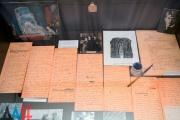 Рязанский музей-заповедник имени Есенина представил 30 рукописей писателя на выставке в Донецке